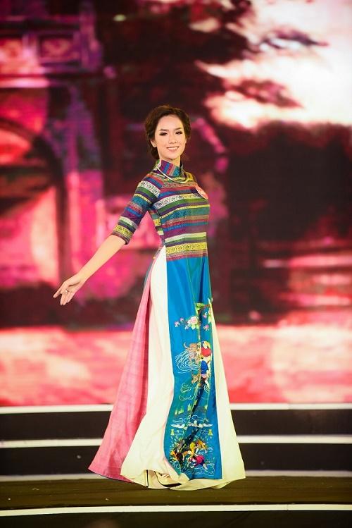 Chung khảo Hoa hậu VN: Lộ diện 25 cô gái tài sắc nhất miền Bắc - 1