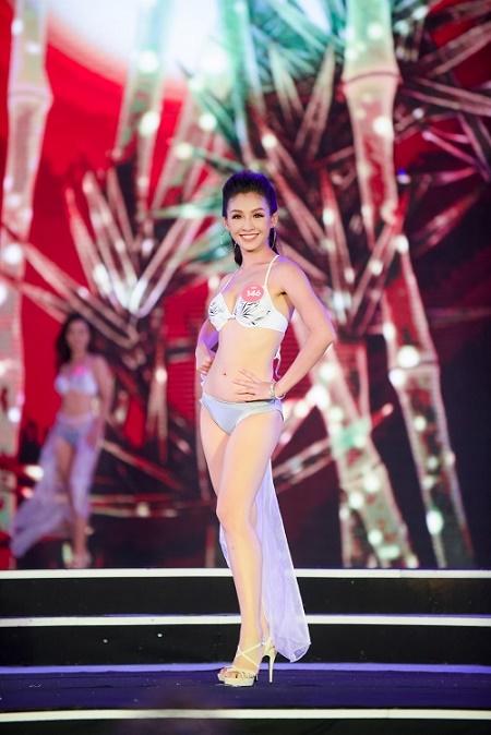 Chung khảo Hoa hậu VN: Lộ diện 25 cô gái tài sắc nhất miền Bắc - 7