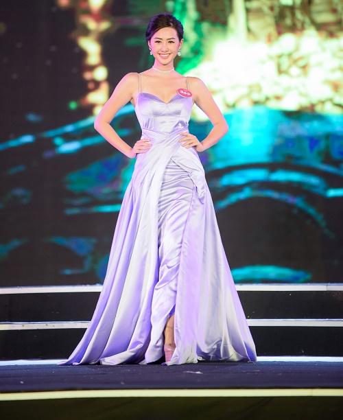 Chung khảo Hoa hậu VN: Lộ diện 25 cô gái tài sắc nhất miền Bắc - 12