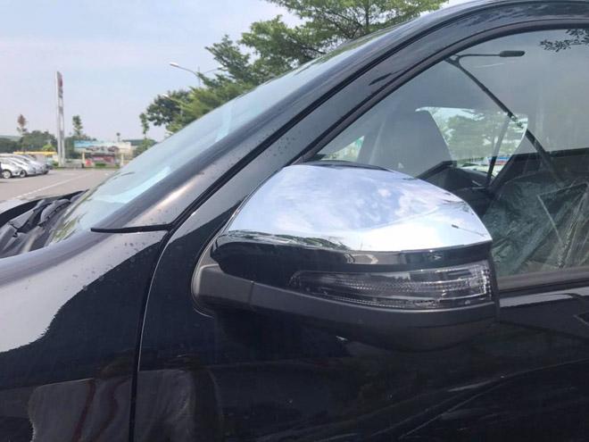 Toyota Hilux 2018 lộ diện ảnh thực tế từ đại lý, giá bán từ 695 triệu đồng - 9