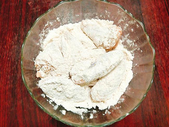 Cánh gà nướng bơ tỏi giòn tan, thơm nức mũi, sức hấp dấn không thể chối từ - 5