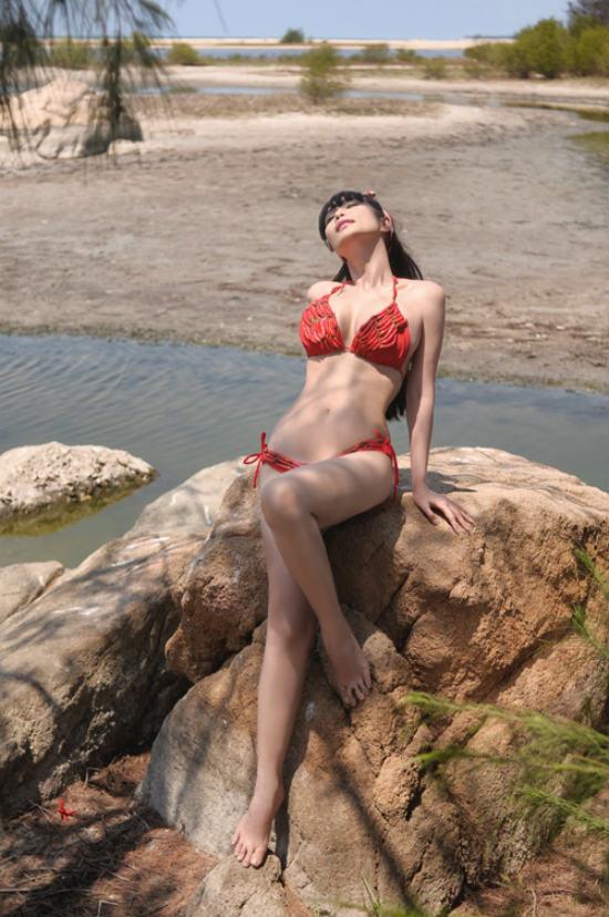 """Không còn ồn ào nhưng đây mới là """"thánh nữ nghiện cởi"""" nhất showbiz Việt - 4"""