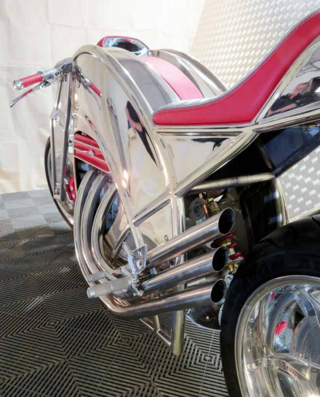 """""""Thần sáng"""" 2018 Levis V6 Cafe Racer hồi sinh, giá 3,1 tỷ đồng - 4"""