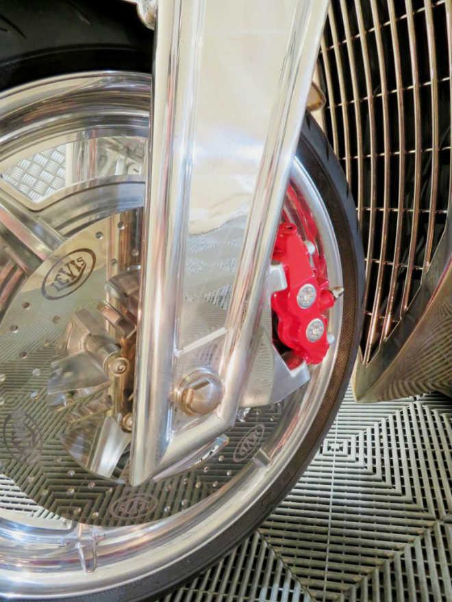 """""""Thần sáng"""" 2018 Levis V6 Cafe Racer hồi sinh, giá 3,1 tỷ đồng - 6"""