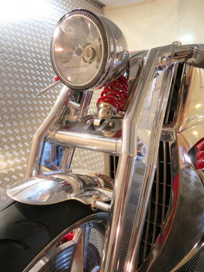 """""""Thần sáng"""" 2018 Levis V6 Cafe Racer hồi sinh, giá 3,1 tỷ đồng - 2"""