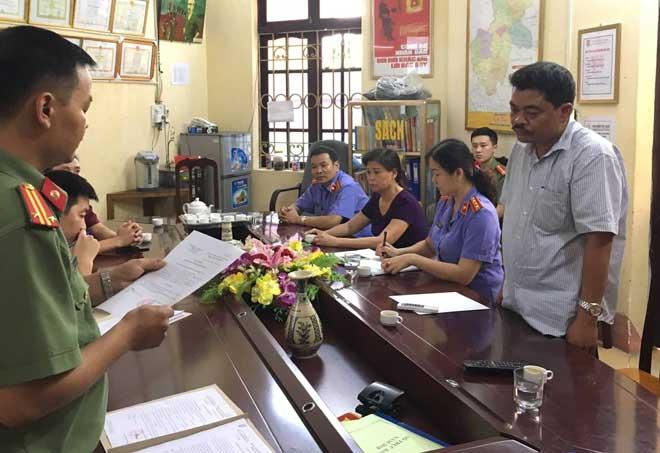 Chân dung người đưa chìa khóa nơi giữ hồ sơ thi cho Vũ Trọng Lương - 1