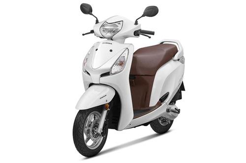 """Xe tay ga Honda Aviator 2018 giá rẻ lên kệ, Yamaha Fascino """"lo lắng"""" - 1"""
