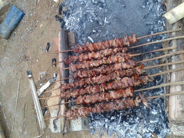 Đến Sơn La, đừng bỏ lỡ 7 đặc sản từ thịt lợn ngon bá cháy này - 3