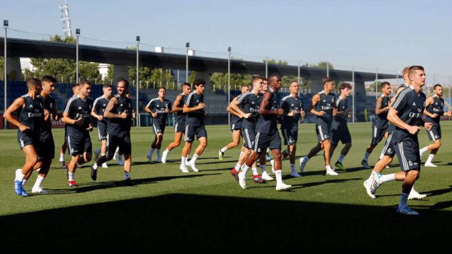 Real đấu MU, Juventus: Ra mắt tân binh 1200 tỷ VNĐ đủ sức thay Ronaldo? - 2