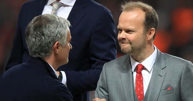 MU giao hữu tồi tệ: Mourinho bị sa thải vì lời nguyền năm thứ 3? - 2