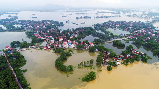 Toàn cảnh ngập lụt kinh hoàng ở Chương Mỹ nhìn từ flycam - 4