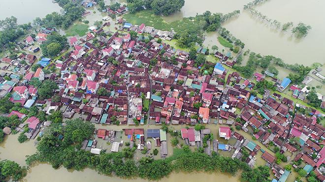 Toàn cảnh ngập lụt kinh hoàng ở Chương Mỹ nhìn từ flycam - 3