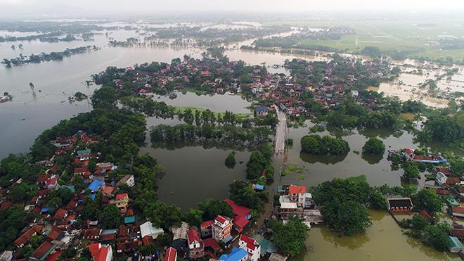 Toàn cảnh ngập lụt kinh hoàng ở Chương Mỹ nhìn từ flycam - 8