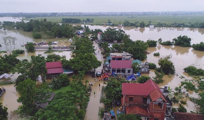 Toàn cảnh ngập lụt kinh hoàng ở Chương Mỹ nhìn từ flycam - 10