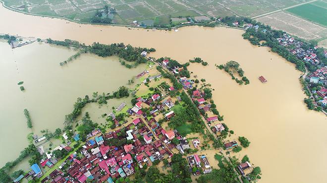 Toàn cảnh ngập lụt kinh hoàng ở Chương Mỹ nhìn từ flycam - 7