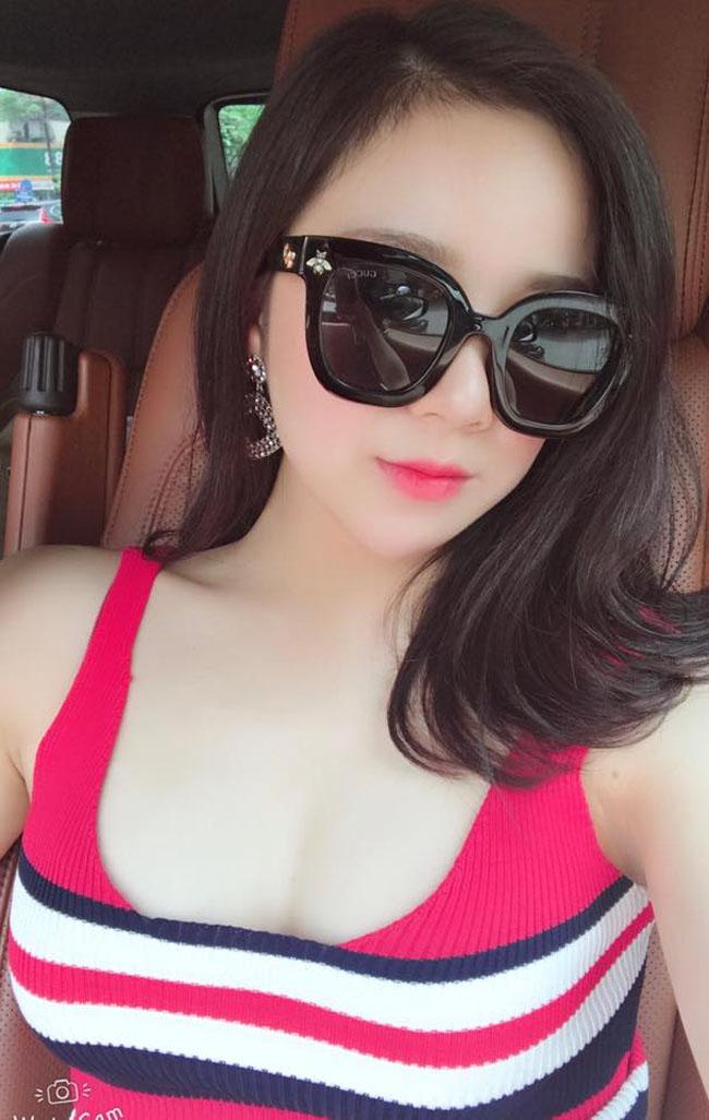 """U23 Việt Nam đại thắng Palestine: """"Hot girl ngủ gật"""" quá xinh đẹp gây sốt sân Mỹ Đình - hình ảnh 5"""