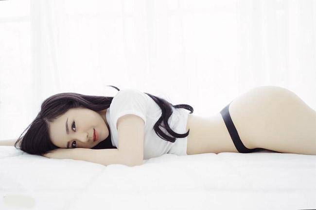 """U23 Việt Nam đại thắng Palestine: """"Hot girl ngủ gật"""" quá xinh đẹp gây sốt sân Mỹ Đình - hình ảnh 9"""