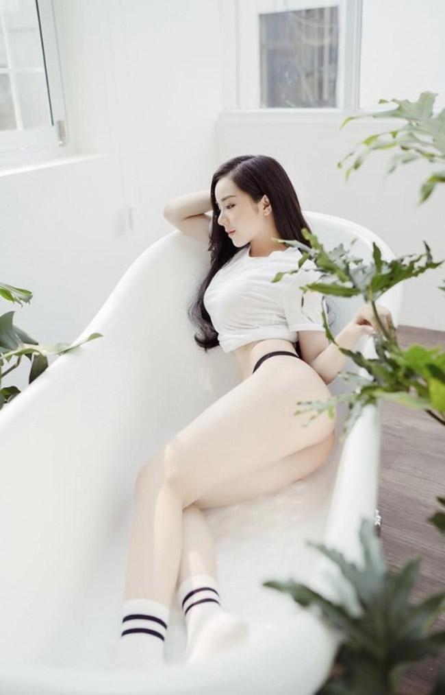 """U23 Việt Nam đại thắng Palestine: """"Hot girl ngủ gật"""" quá xinh đẹp gây sốt sân Mỹ Đình - hình ảnh 19"""