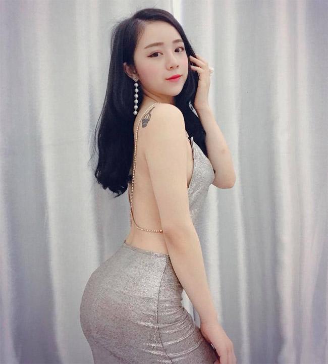 """U23 Việt Nam đại thắng Palestine: """"Hot girl ngủ gật"""" quá xinh đẹp gây sốt sân Mỹ Đình - hình ảnh 21"""