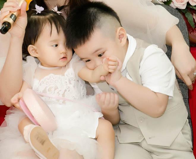 Chồng đại gia của Vy Oanh hiếm hoi xuất hiện bên vợ, khoe hai con giống hệt bố - hình ảnh 7