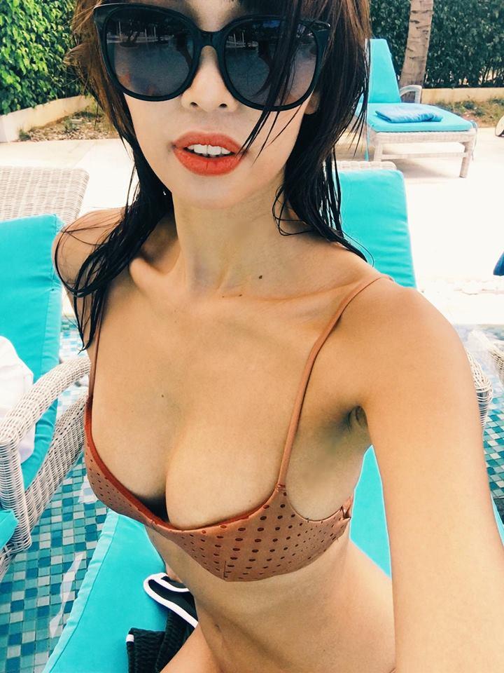"""Siêu mẫu Hà Anh mặc bikini khoe vòng 1 """"khủng"""" sau sinh con cho chồng Tây - hình ảnh 3"""