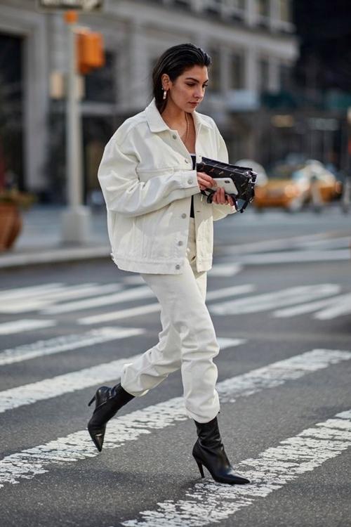 """""""Nghiện"""" mặc đồ trắng nhất định phải dắt túi 4 bí quyết này - hình ảnh 6"""