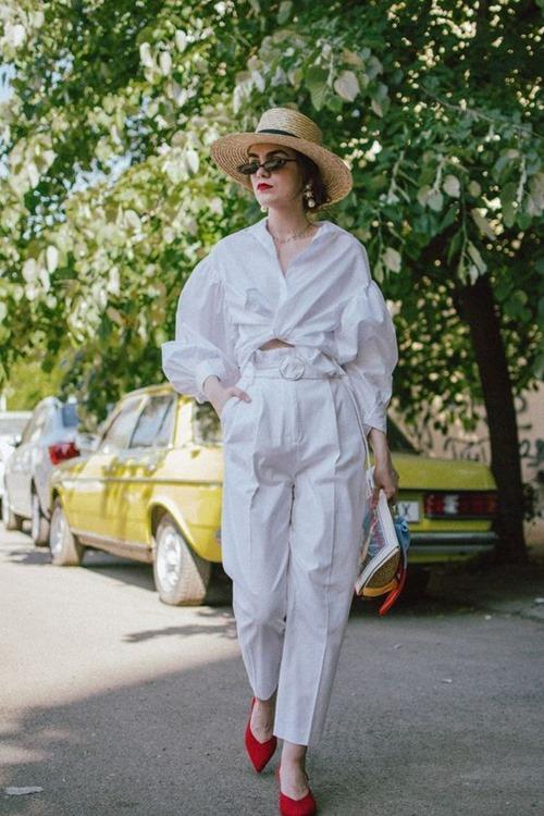 """""""Nghiện"""" mặc đồ trắng nhất định phải dắt túi 4 bí quyết này - hình ảnh 8"""