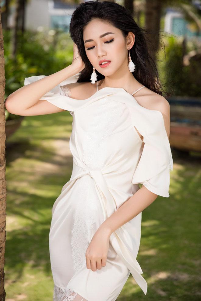 Á hậu Thanh Tú từ chối xác nhận cưới bạn trai hơn 16 tuổi - hình ảnh 1
