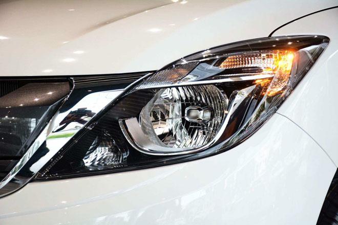 Ảnh thực tế Mazda BT-50 2018 mới tại đại lý - 6
