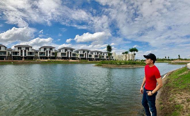 Choáng ngợp với biệt thự bên hồ giá 25 tỉ của Cao Thái Sơn - hình ảnh 10