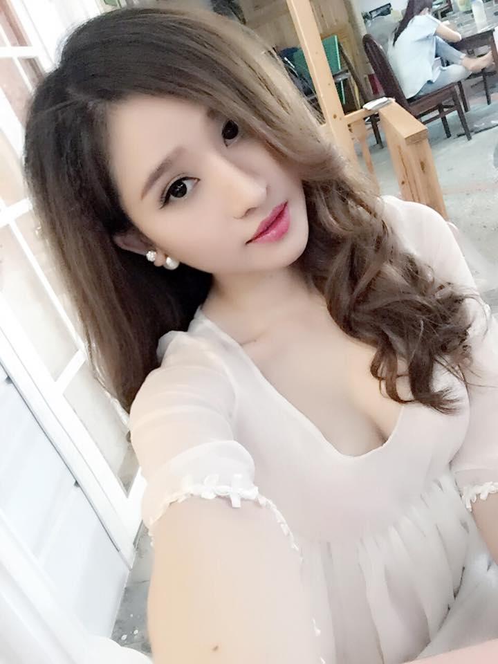 Vợ cũ Hồ Quang Hiếu mặc váy mỏng tang khoe làn da trắng như sứ - 7