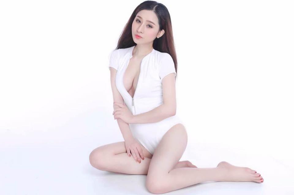 Vợ cũ Hồ Quang Hiếu mặc váy mỏng tang khoe làn da trắng như sứ