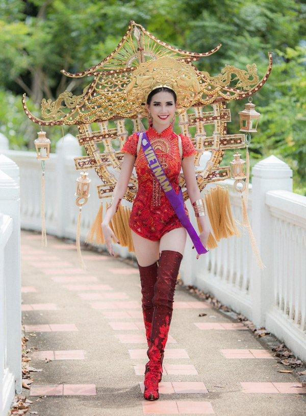 Áo dài Việt lai áo tắm, cúp ngực, hở lưng: Phản cảm, lố lăng? - hình ảnh 4