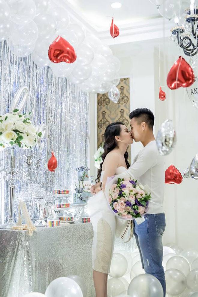 """Bạn gái Văn Thanh U23: """"Nếu anh ấy không đá bóng nữa thì ở nhà tôi nuôi"""" - hình ảnh 4"""