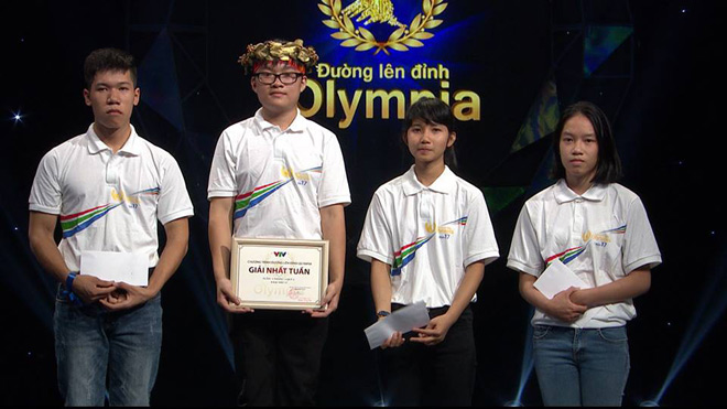 Nam sinh Olympia đạt điểm 10 môn Toán, đỗ thủ khoa Đại học Dược Hà Nội - hình ảnh 2