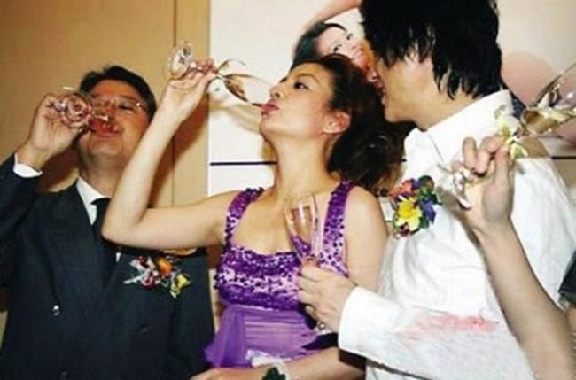"""""""Chị dâu Võ Tòng"""" đáp trả khi được mời đi tiếp rượu khiến 3 mỹ nữ này phải kiêng nể - hình ảnh 21"""