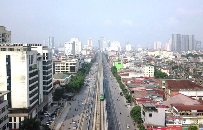 """Bắt gặp tàu đường sắt trên cao Cát Linh – Hà Đông """"lướt"""" giữa thủ đô - hình ảnh 10"""