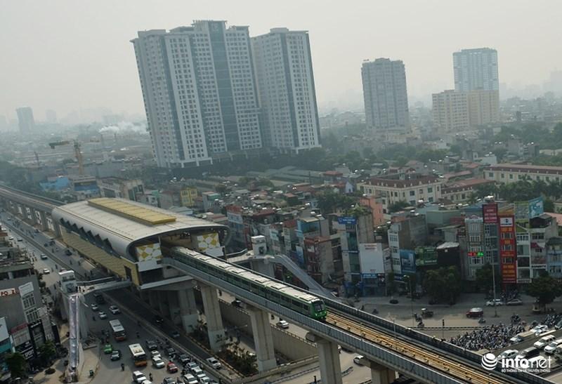 """Bắt gặp tàu đường sắt trên cao Cát Linh – Hà Đông """"lướt"""" giữa thủ đô - hình ảnh 13"""