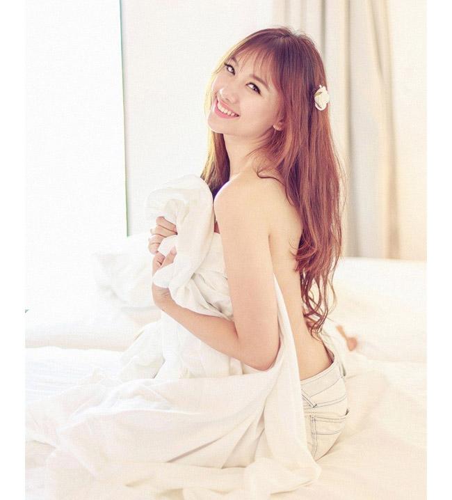 """Những lần mặc bán nude nghẹt thở của Elly Trần, """"thánh nữ Mì Gõ"""" - hình ảnh 15"""