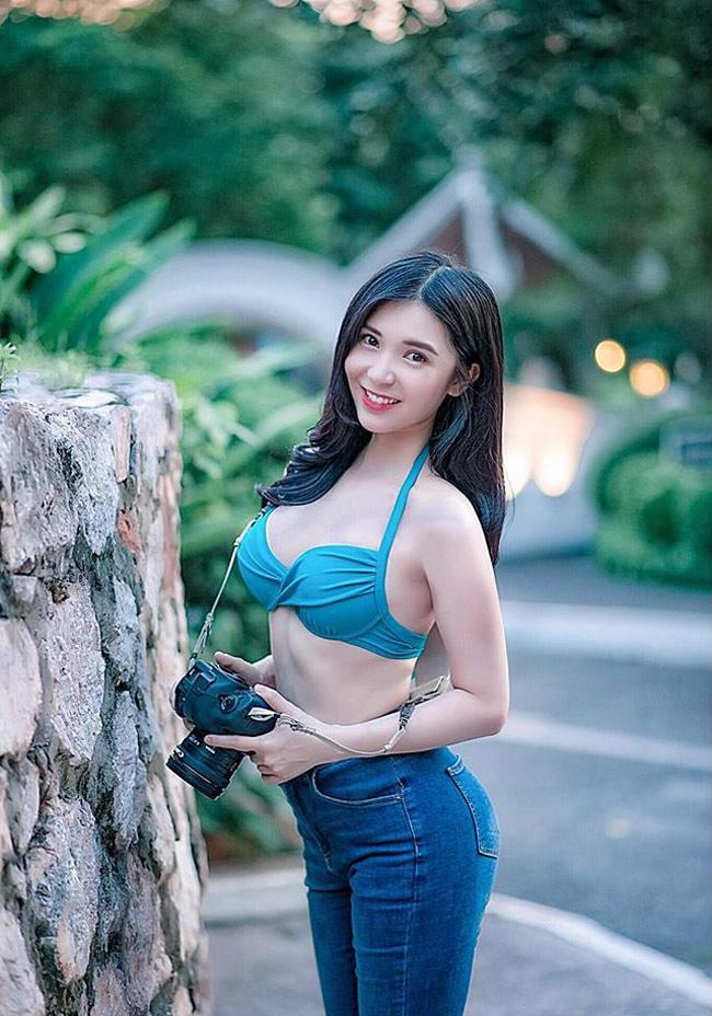 Điểm danh đội mỹ nhân Việt thích mặc sexy xuống phố gây tắc đường - hình ảnh 4
