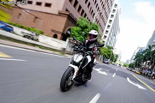 """KTM 125 Duke 2018: Chiếc naked bike """"vô tiền khoáng hậu"""" - 3"""
