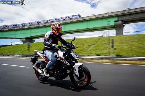 """KTM 125 Duke 2018: Chiếc naked bike """"vô tiền khoáng hậu"""" - 5"""