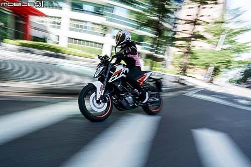 """KTM 125 Duke 2018: Chiếc naked bike """"vô tiền khoáng hậu"""" - 4"""