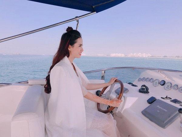 Sự giàu có đến ngỡ ngàng của người đẹp 7 lần đi thi giờ mới đăng quang Hoa hậu - hình ảnh 6
