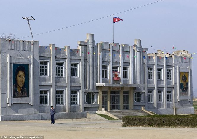 Điện ảnh của đất nước bí ẩn Triều Tiên được hé lộ qua loạt ảnh hiếm thấy - hình ảnh 4