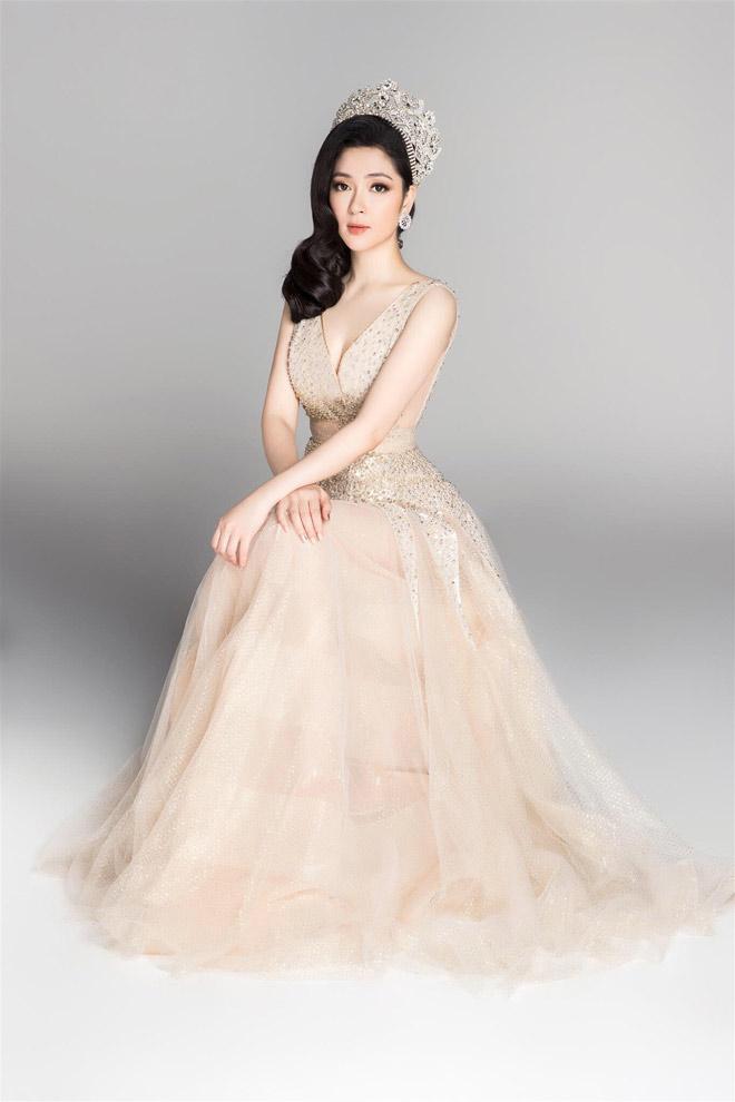Hoa hậu VN từ đời đầu đến đương kim khoe sắc nghiêng thành - hình ảnh 8