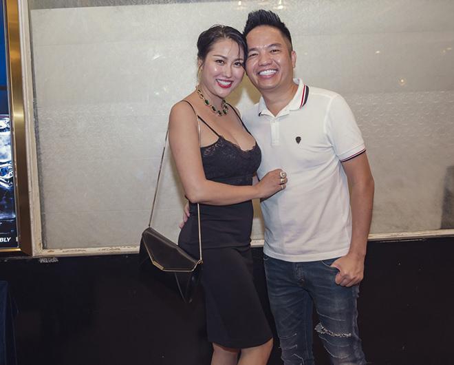 Dự sinh nhật bạn thân, Phi Thanh Vân khiến khách mời choáng khi diện váy hở bạo - hình ảnh 1
