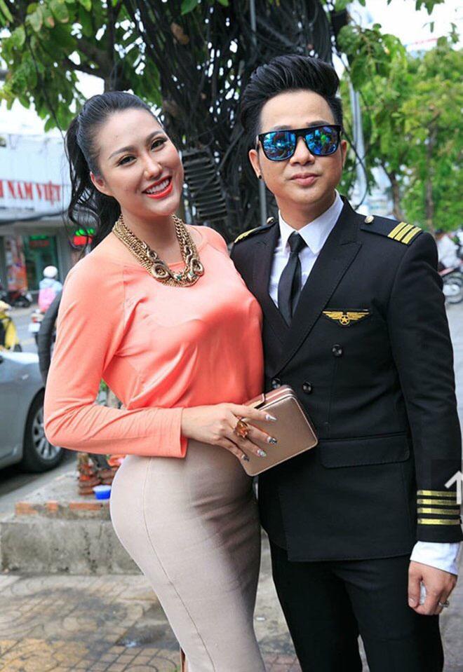 Dự sinh nhật bạn thân, Phi Thanh Vân khiến khách mời choáng khi diện váy hở bạo - hình ảnh 11