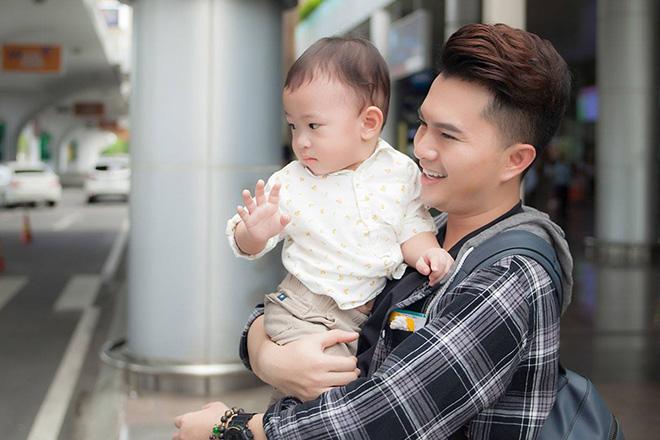 Nam Cường lần đầu công khai con trai 2 tuổi với vợ hot girl - hình ảnh 3