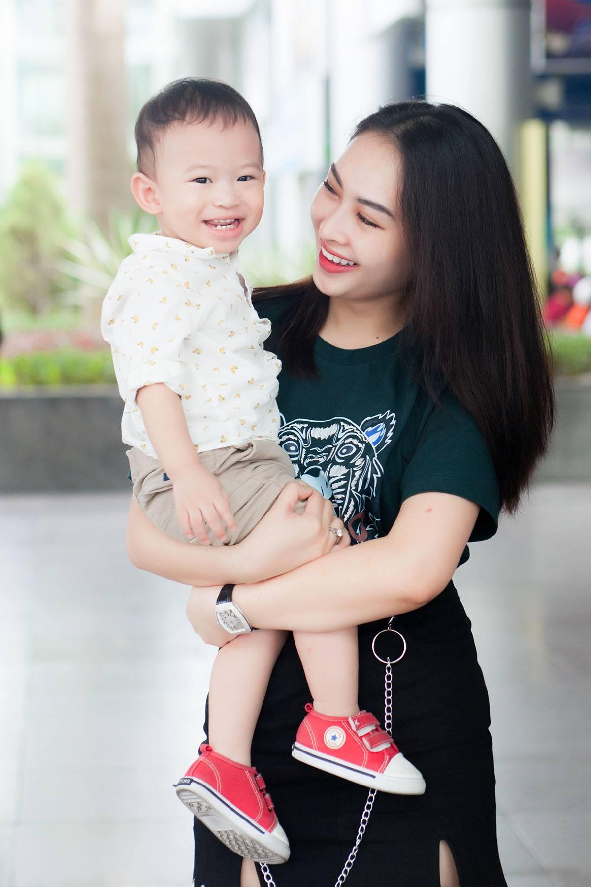 Nam Cường lần đầu công khai con trai 2 tuổi với vợ hot girl - hình ảnh 6